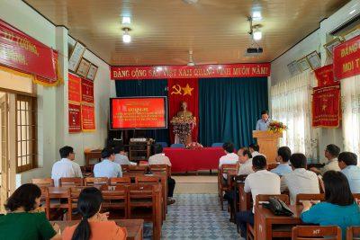 Hội nghị công bố Quyết định của chủ tịch UBND huyện về công tác cán bộ quản lý trường học.