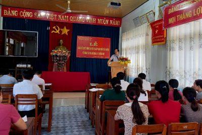 Phòng GD&ĐT huyện Ea Kar tổ chức Lễ công bố Quyết định của Chủ tịch UBND huyện về công tác cán bộ quản lý trường học 6 tháng đầu năm 2020